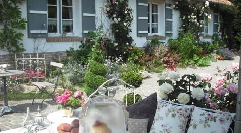 la vall e de la course ouvre ses jardins oukankoi. Black Bedroom Furniture Sets. Home Design Ideas