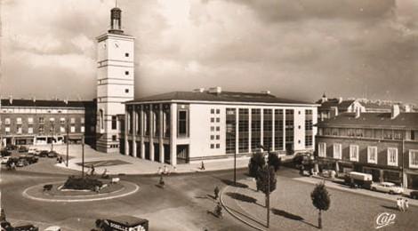 L h tel de ville d abbeville ou le palais communal de max for Architecte abbeville