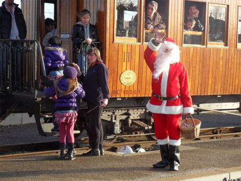 02 12 saint val Train-du-Pere-Noel