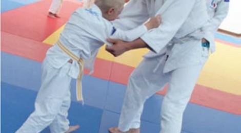 """Opération """"judo d'été"""" par l'A.S.E. Judo."""