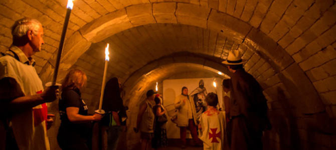 VISITES INSOLITES AUX FLAMBEAUX au Château de Picquigny